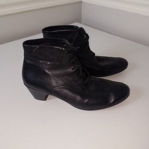 Rieker black leather tie up booties euro 42 US 9.5